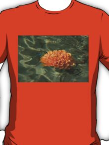 Floating Autumn - Chrysanthemum Blossom in the Fountain T-Shirt
