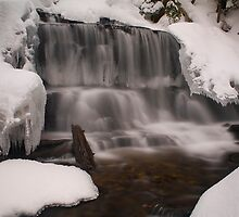 Wagner Falls Frozen by Chintsala