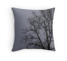 tree fog Throw Pillow