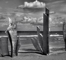 Les Braves - Omaha Beach Memorial by Lanis Rossi