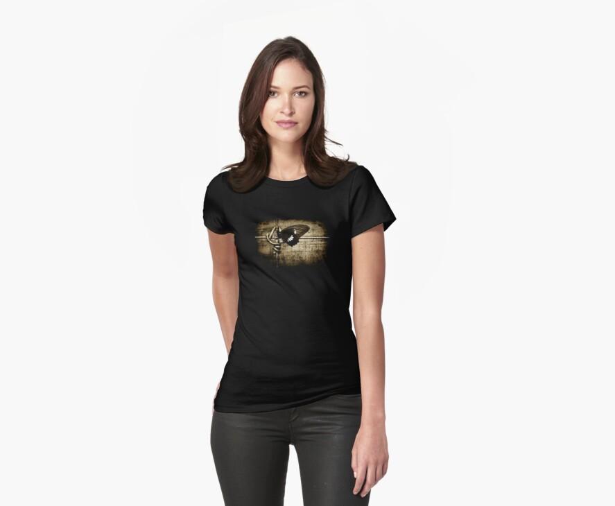 yin & yang (on black T-shirt) by scottimages