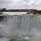 The Mighty Frozen Niagara by ediaz