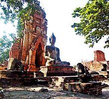 Large Buddha Image at Wat Phra Mahathat by Cody McKibben