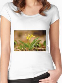 Dogs Tooth Lily - Erythronium Women's Fitted Scoop T-Shirt