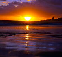 Bilinga Beach Sunrise 1 by Wayne  Nixon  (W E NIXON PHOTOGRAPHY)