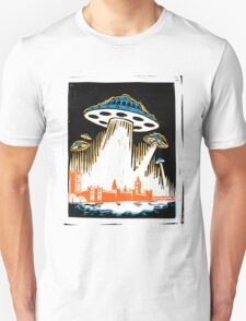 London under attack by UFOs T-Shirt