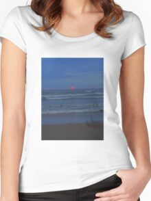 Luminous - the sun sets at Ocean Beach Women's Fitted Scoop T-Shirt