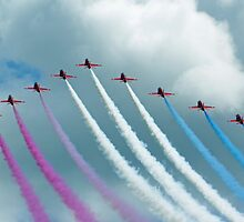 Red Arrows at Cosford 1 by Len Slack