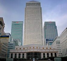 Citibank/HSBC/Barclays at Canary Wharf, London  by Nick Bland