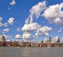 London panorama by Christophe Faugere