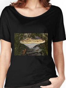 Tearful Polypore - Inonotus Radiatus - Bracket Fungus Women's Relaxed Fit T-Shirt