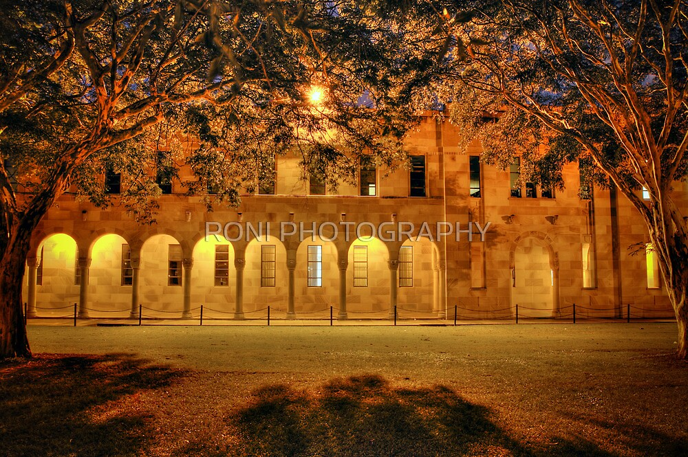 Great Court   The University of Queensland  by RONI PHOTOGRAPHY