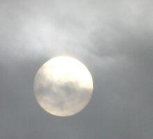A misty sun by daantjedubbledutch