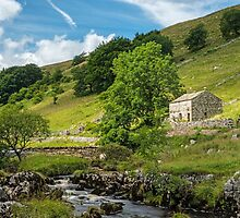 Barn in Wharfedale in the Yorkshire Dales by Nick Jenkins