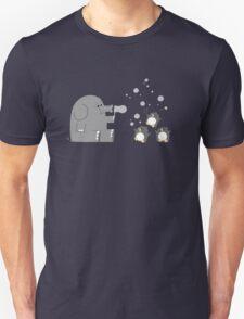 Elephants & Penguins love bubbles. Unisex T-Shirt