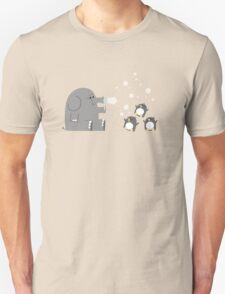 Elephants & Penguins love bubbles. T-Shirt