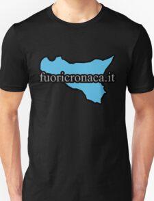 fuoricronaca.it - by Chiara and Francesco Venuto T-Shirt