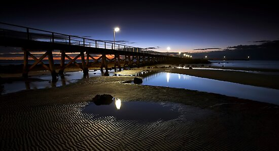 Moonta Bay Jetty by Bill  Robinson