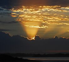 Beams to Heaven, Sunset by bazcelt