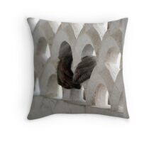 Hold it Tight! Throw Pillow