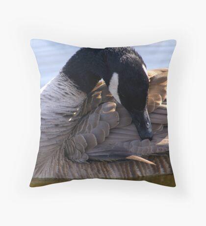Goose Shapes Throw Pillow