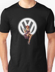 Volkswagen Pin-Up Wrenching Wanda (gray) T-Shirt