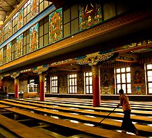 inside golden temple by Dinni H