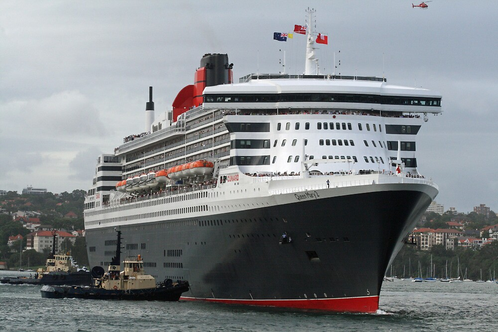 Queen Mary 2 Arrives Sydney 003 by Kezzarama