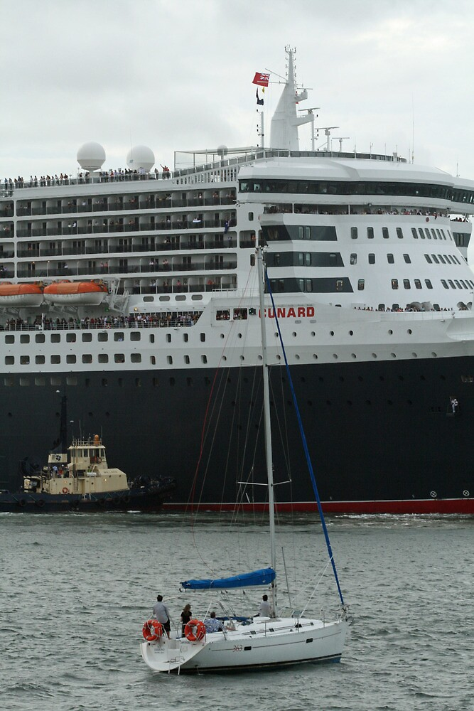 Queen Mary 2 Arrives Sydney 005 by Kezzarama