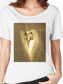 Love Never Fails Women's Relaxed Fit T-Shirt
