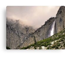 upper yosemite falls Canvas Print