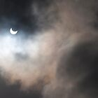 Partial solar eclipse over Cape Town by davridan