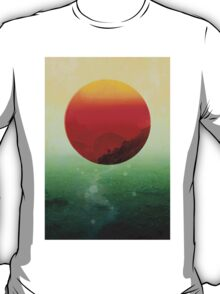 In the end the sun rises T-Shirt
