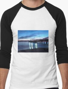 Grange Jetty: An Autumn evening Men's Baseball ¾ T-Shirt