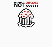 Cupcakes not war Unisex T-Shirt
