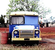 Para Bus 1 by oddoutlet