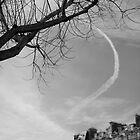 Trainée de nuage dans le ciel, Paris by ploux