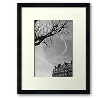 Trainée de nuage dans le ciel, Paris Framed Print