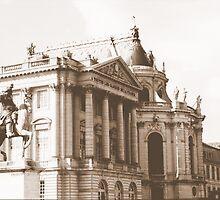 Versailles, forecourt, towards chapel by BronReid