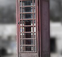Crown Phonebooth (edited) by TxGimGim