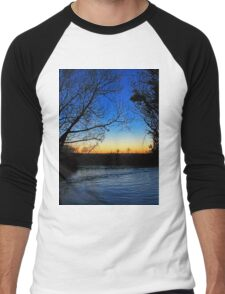 Silhouetted trees at sunset creek. Men's Baseball ¾ T-Shirt