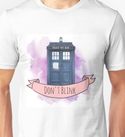 "TARDIS ""don't blink"" Unisex T-Shirt"