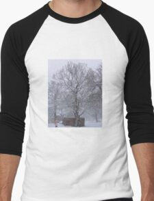 Trees and Post Box in the Snow Men's Baseball ¾ T-Shirt