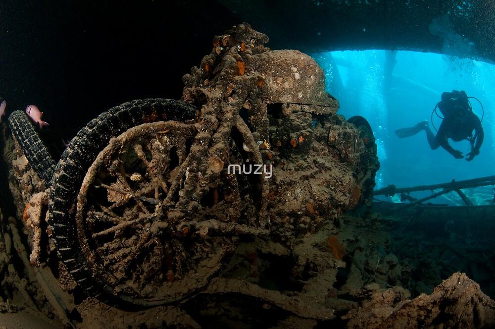 Sunken Motorbike - Thistlegorm by muzy