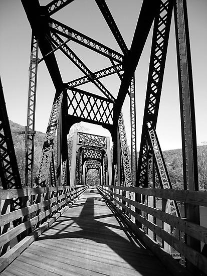 B&W Bridge by yelly123