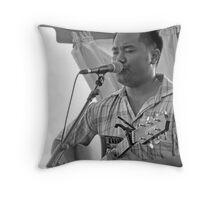 Sing me a song Throw Pillow