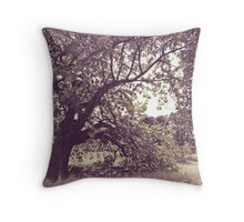 Oak edges Throw Pillow