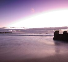 A New Dawn - The sun rises over Coogee Beach by dahon