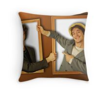 Keeping up appearances Throw Pillow