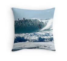 The Waves are Coming - still... Throw Pillow